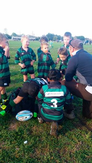 Junior-rugby-Team-talk-